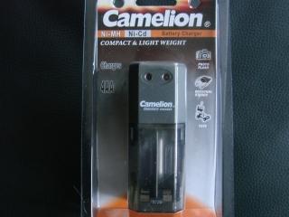 Ladegerät für 4 Akkus von Camelion  NEU